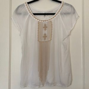 Cap sleeved top with tan embroidery